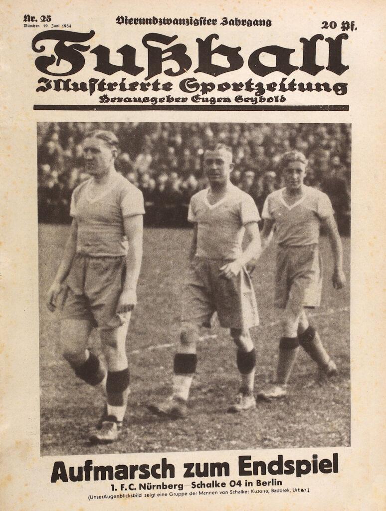 Aufmarsch zum Endspiel 1934 zwischen Schalke 04 und dem 1 FC Nürnberg